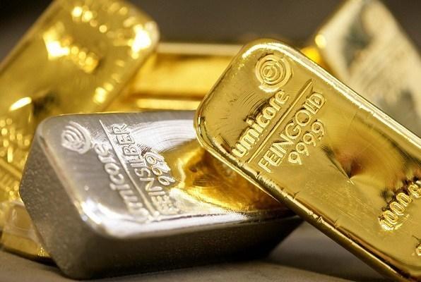 Các quỹ phòng hộ giảm đặt cược vàng tăng với tốc độ nhanh nhất 5 tháng