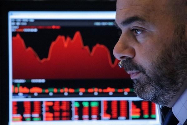 Phiên 7/10: Thị trường toàn cầu trong sắc đỏ khi nhà đầu tư chờ đợi tin đàm phán Mỹ – Trung