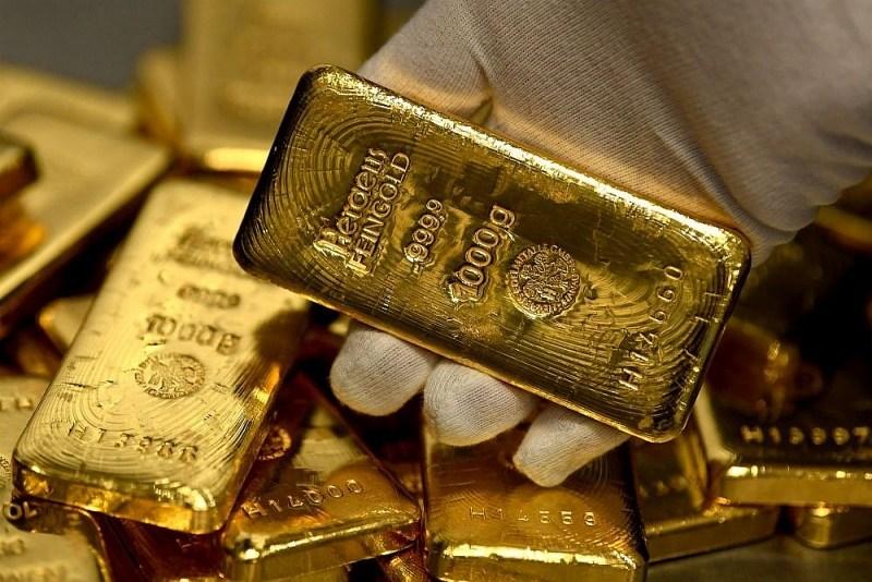 PTKT vàng sáng 15/10: (XAU/USD) giao dịch gần hỗ trợ của kênh tăng giá, khẳng định nguy cơ giảm