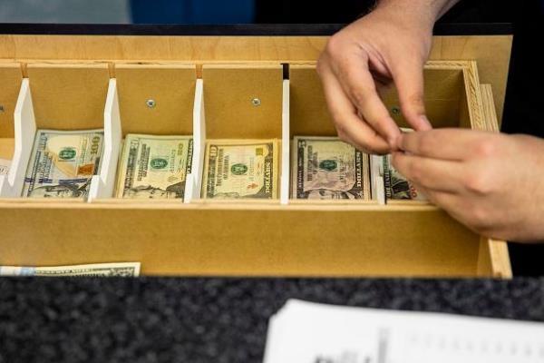TT ngoại hối 22/10: USD bật lên từ đáy hơn 1 tháng; EUR và GBP bị chốt lời từ mức cao nhiều tuần