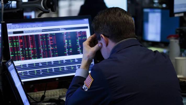 Phiên 18/11: Đi ngược mức đỉnh 11 tuần của dầu thô; cổ phiếu năng lượng và phố Wall cùng trong sắc đỏ