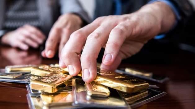 TT vàng 20/11: Cảnh báo xấu từ giá hợp đồng kì hạn thấp hơn giá giao ngay