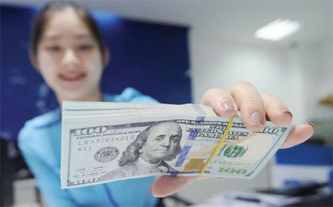 Tỷ giá USD/VND sáng 3/3: TGTT tăng 10 đồng; giá USD chợ đen giảm sốc