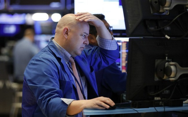 Phiên 3/3: Phố Wall chịu áp lực từ lợi suất Trái phiếu; Dầu thô tăng mạnh khi cung – cầu chênh lệch