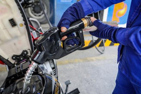 Giá xăng dầu điều chỉnh tăng nhẹ từ 15h chiều nay