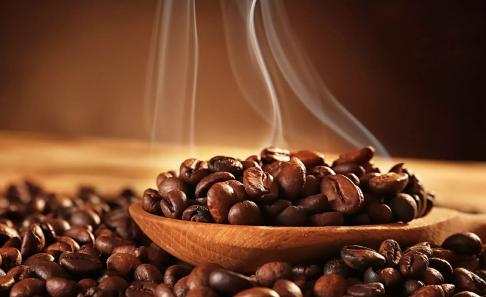 Cà phê biến động trái chiều, Arabica tiếp tục tăng, Robusta quay đầu giảm