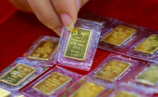 SJC vượt mốc 58 triệu đồng/lượng, duy trì chênh lệch kỷ lục với vàng thế giới