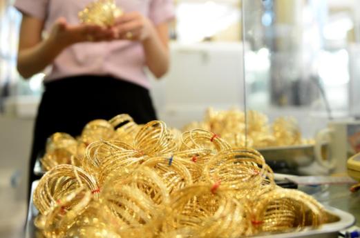 Trước đà tăng mạnh của giá vàng thế giới, SJC thu hẹp chênh lệch xuống 8,8 triệu đồng/lượng